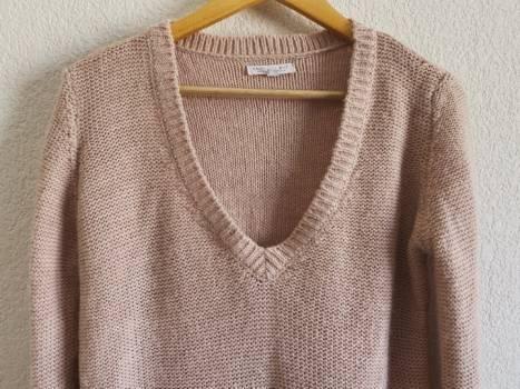 Foto Carousel Producto: Suéter tejido cuello v lana alpaca  GoTrendier