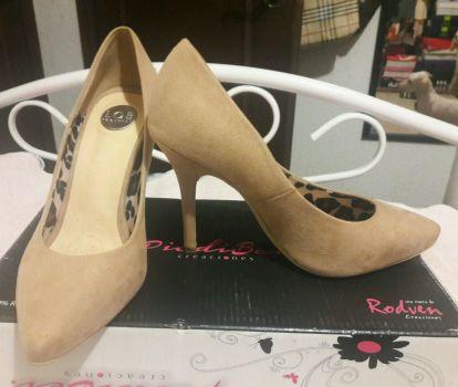 Foto Carousel Producto: Zapatos LOB. No. 3.5, Color nude GoTrendier