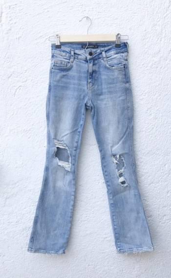 Foto Carousel Producto: Jeans vintage ripped acampanados GoTrendier