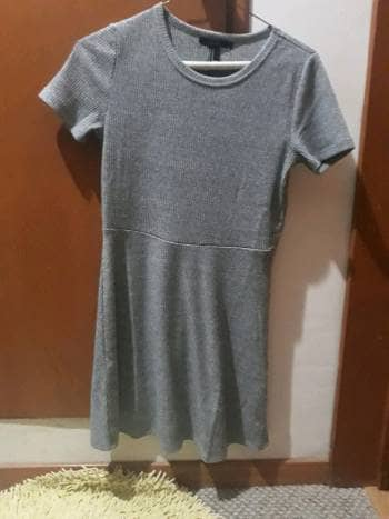 Foto Carousel Producto: Vestido pegado gris  GoTrendier