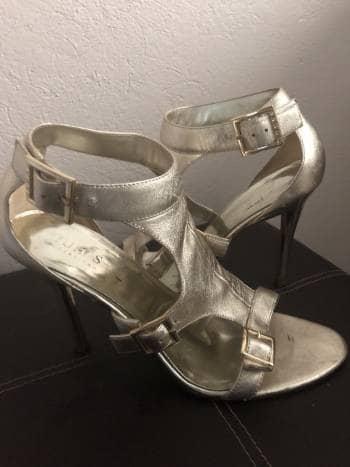 Foto Carousel Producto: Zapatillas doradas GoTrendier