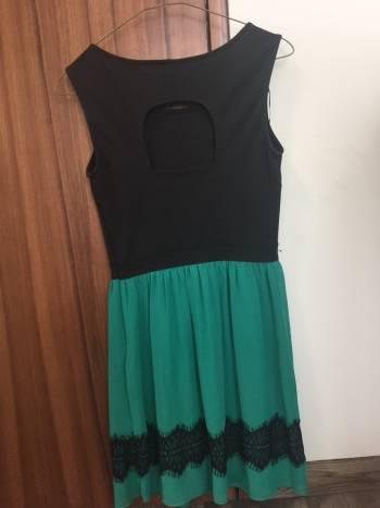 Foto Carousel Producto: Vestido formal negro con verde. GoTrendier
