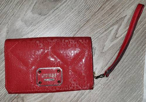 Foto Carousel Producto:  Cartera  Guess GoTrendier