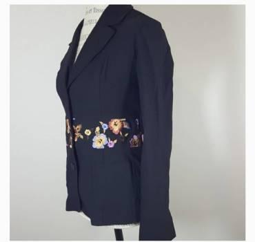 Foto Carousel Producto: Saco cintura bordada Bisou Bisou GoTrendier