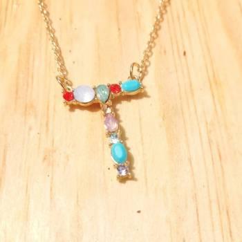 Foto Carousel Producto: Collar inicial T pedreria tamaño 3 cm GoTrendier