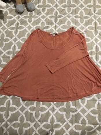 Foto Carousel Producto: Blusa rosa bajito GoTrendier