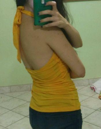 Foto Carousel Producto: Blusa halter amarilla GoTrendier