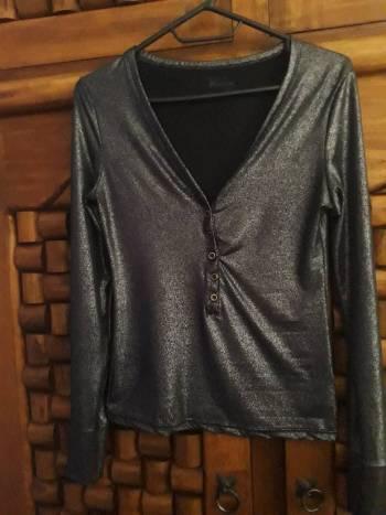 Foto Carousel Producto: Hermosa blusa color negro/platinado GoTrendier