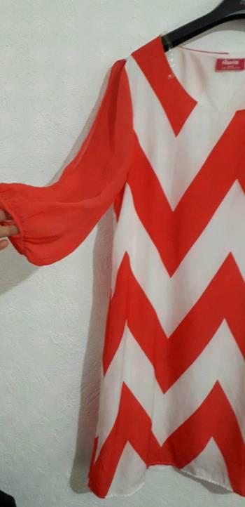 Foto Carousel Producto: Vestido Lineas Triangulares Manga 3/4  GoTrendier