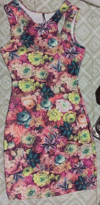 Foto Carousel Producto: Vestido Flores corto GoTrendier