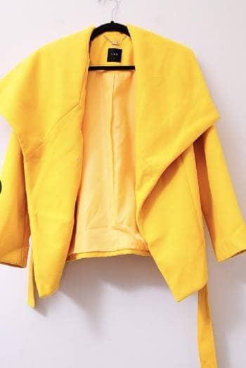Foto Carousel Producto: Abrigo amarillo GoTrendier