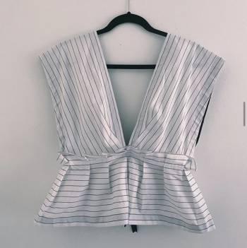 Foto Carousel Producto: Blusa de lineas blanco y negro GoTrendier