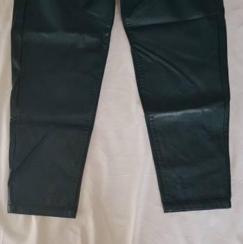 Foto Carousel Producto: Pantalon mom fit polipiel GoTrendier
