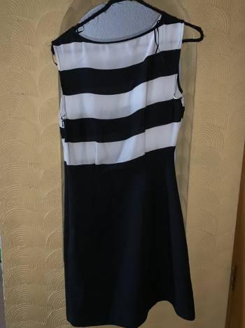 Foto Carousel Producto: Vestido de rayas GoTrendier