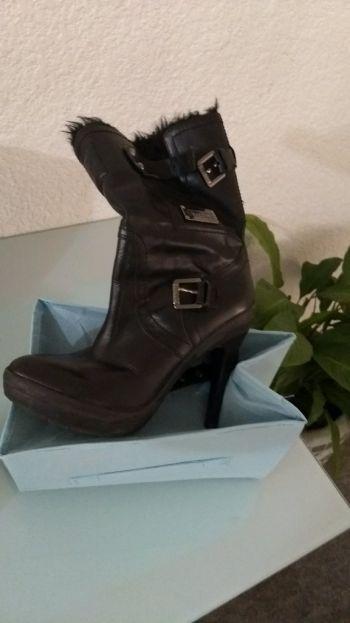 Foto Carousel Producto: Botas negras invernales   GoTrendier