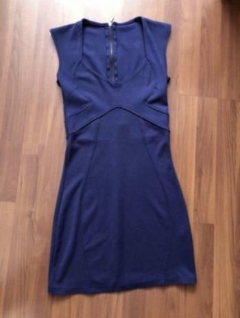 Foto Carousel Producto: Vestido azul BERSHKA GoTrendier