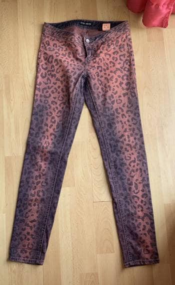 Foto Carousel Producto: Pantalon Animal Print GoTrendier