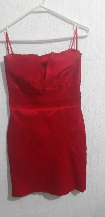 Foto Carousel Producto: Vestido strapple rojo GoTrendier