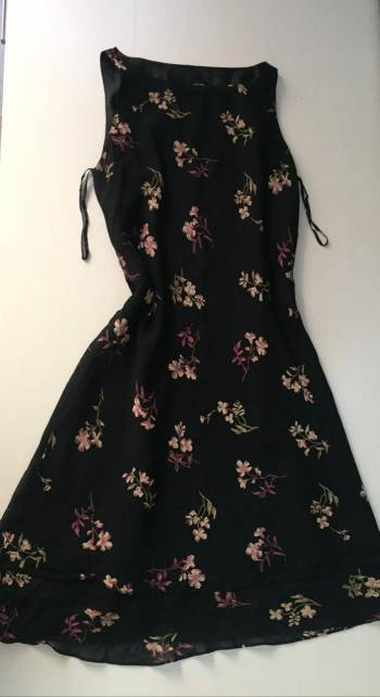Foto Carousel Producto: Vestido de flores 2x1 GoTrendier