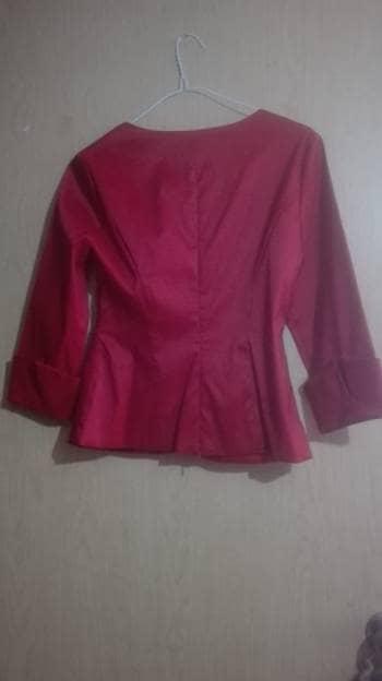Foto Carousel Producto: Blusa roja de tela satinada GoTrendier