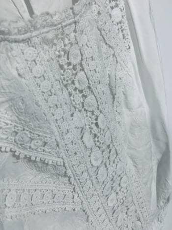 Foto Carousel Producto: Blusa con encaje GoTrendier