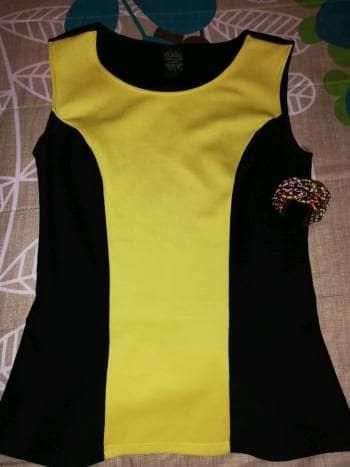 Foto Carousel Producto: Blusa color negro con amarillo  GoTrendier