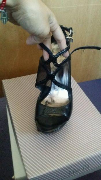 Foto Carousel Producto: Zapatilla negra juvenil .. 24.5 mexicano  GoTrendier