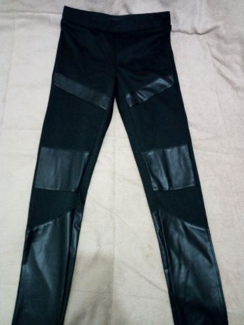 Foto Carousel Producto: Leggings negros pegaditos GoTrendier