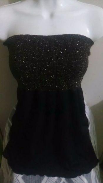 Foto Carousel Producto: Blusa negra strapple GoTrendier