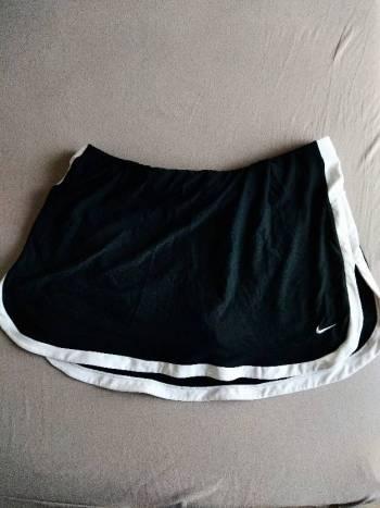 Foto Carousel Producto: Falda short deportiva Nike GoTrendier