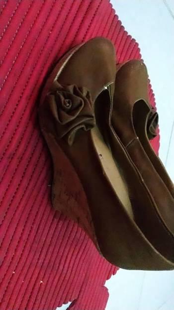 Foto Carousel Producto: Zapato tacon cuña camel GoTrendier