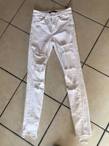 Foto Carousel Producto: Jeans blancos  GoTrendier