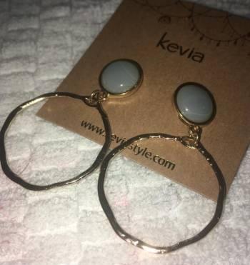 Foto Carousel Producto: Kevia Aretes Aro Y piedra Verde GoTrendier