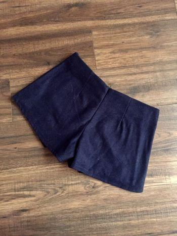 Foto Carousel Producto: Falda-short azul marino GoTrendier