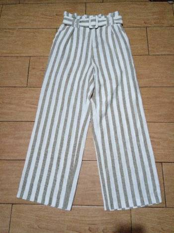Foto Carousel Producto: Pantalon a rayas blanco con cafe GoTrendier