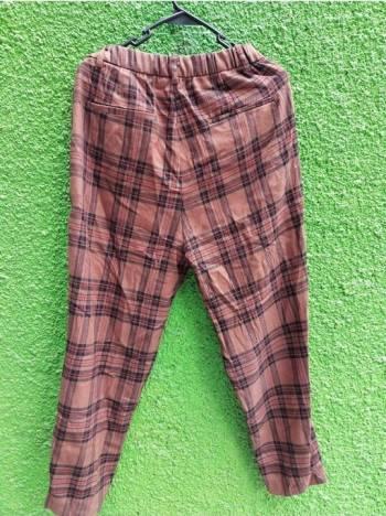 Foto Carousel Producto: Pantalon a cuadros de Pull&Bear GoTrendier