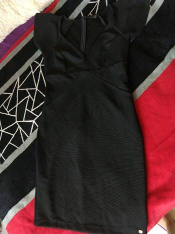 Foto Carousel Producto: Vestido formal Guess negro GoTrendier