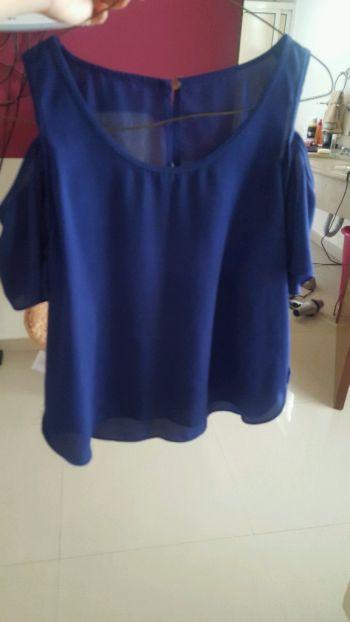 Foto Carousel Producto: Blusa azul eléctrico. GoTrendier