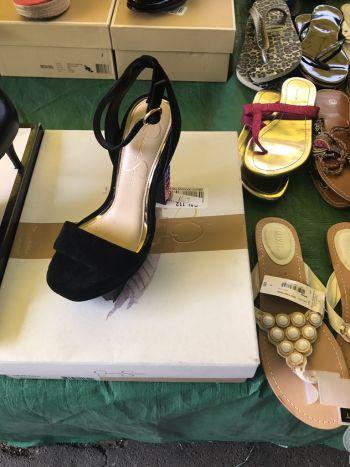 Foto Carousel Producto: Zapatillas con pedreria swarovski GoTrendier