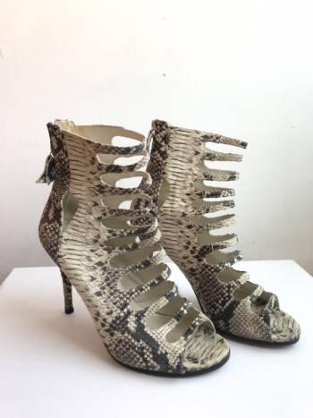 Foto Carousel Producto: Sandalias de piel Stuart Weitzman GoTrendier