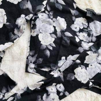 Foto Carousel Producto: Crop top flores GoTrendier