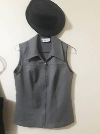 Foto Carousel Producto: Hermoso chaleco de vestir Gris M 2X1 GoTrendier