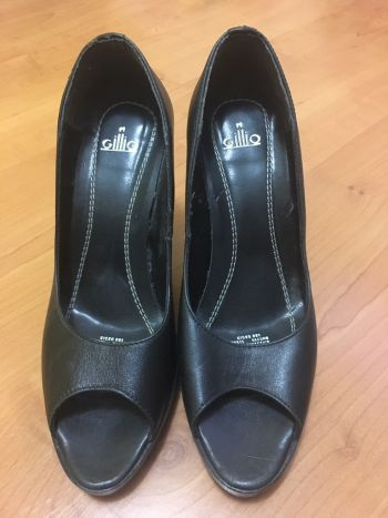 Foto Carousel Producto: Zapatos negros de tacón GoTrendier