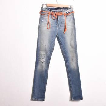 Foto Carousel Producto: Jeans con cinturon GoTrendier