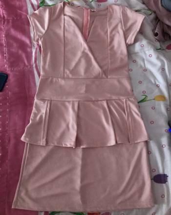 Foto Carousel Producto: Vestido rosa con olán 2x1 GoTrendier