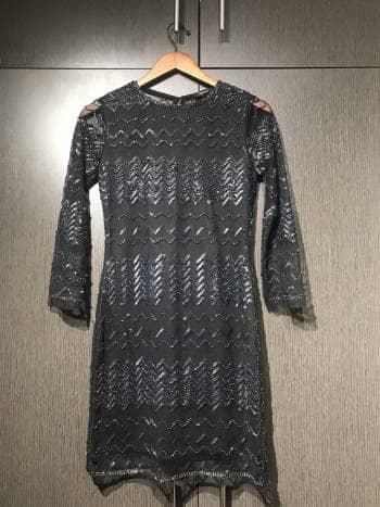 Foto Carousel Producto: Vestido con aplicaciones de lentejuela GoTrendier
