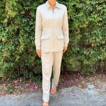 Foto Carousel Producto: Conjunto beige (pantalón y blazer) GoTrendier