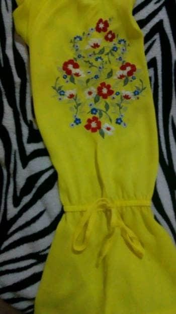 Foto Carousel Producto: Blusa amarilla con estampado GoTrendier
