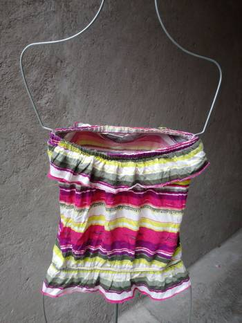 Foto Carousel Producto: Crop top blusa strapless rayas Mediana GoTrendier