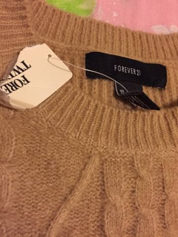 Foto Carousel Producto: Sueter forever 21? GoTrendier